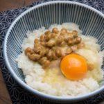 納豆がバストアップ効果が高い理由。イソフラボンと女性ホルモンの関係は?食べ方のコツを学ぼう!